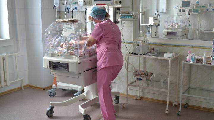 Новосибирская больница получила дорогой аппарат для спасения самых крохотных детей