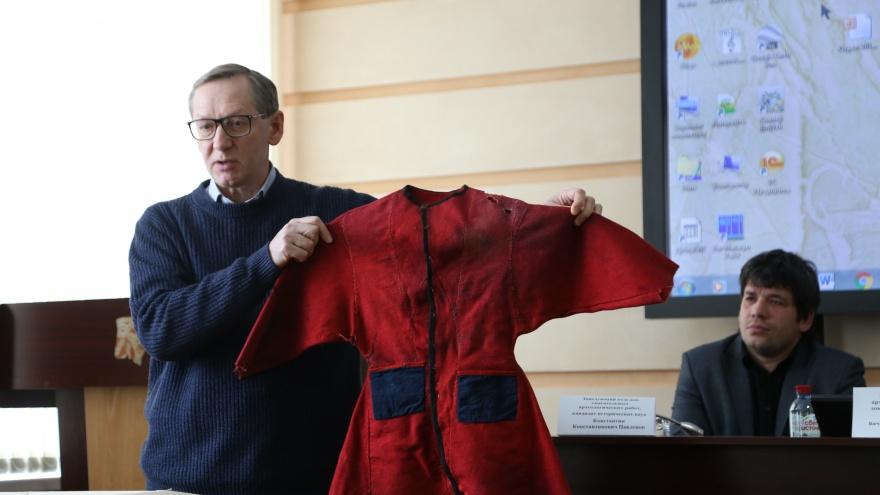 Пещерный лев, жертвенное покрывало и халат для духа: что новосибирские археологи нашли в 2019 году
