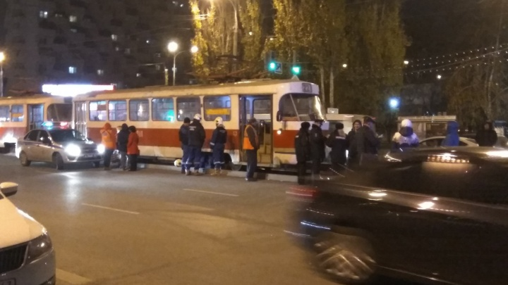 В Самаре на проспекте Ленина под трамваем погиб мужчина