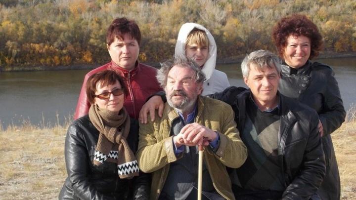 «К нему не пускают даже внучку»: в Волгограде актера Петра Зайченко не выпускают из реанимации
