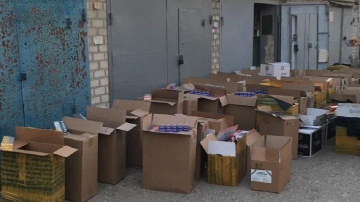 В Волгоградской области нашли 38 000 пачек контрафактных сигарет