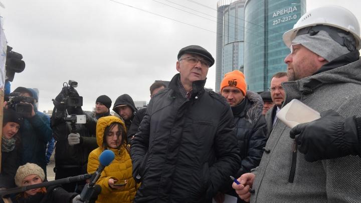 Трансляция с Макаровского моста: Якоб рассказал, когда на Челюскинцев снова откроют движение