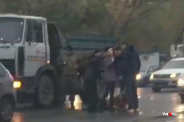 Пешеход пострадала на перекрёстке междумагазином «Светофор» и Дворцом спорта «Торпедо»