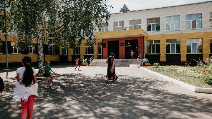 Тюменьстат: воспитатели детсадов получают по 42 тысячи, учителя — по 54 тысячи. А как на самом деле?
