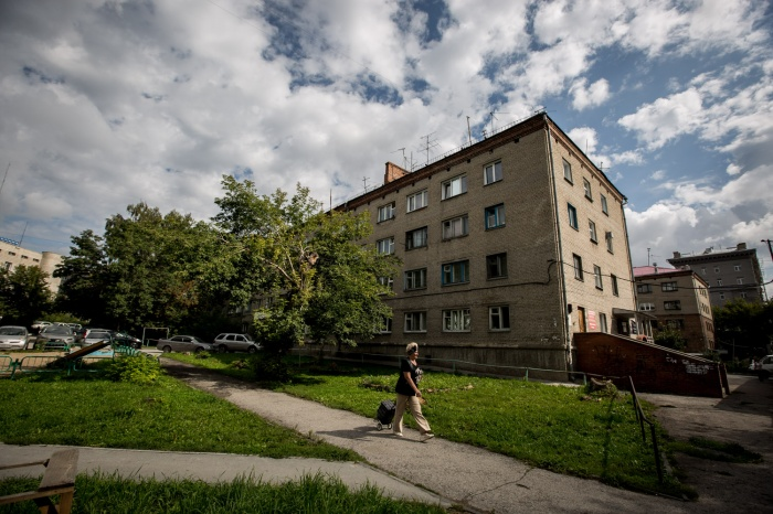 Жители общежития возле площади Калинина с удивлением узнали, что оно аварийное