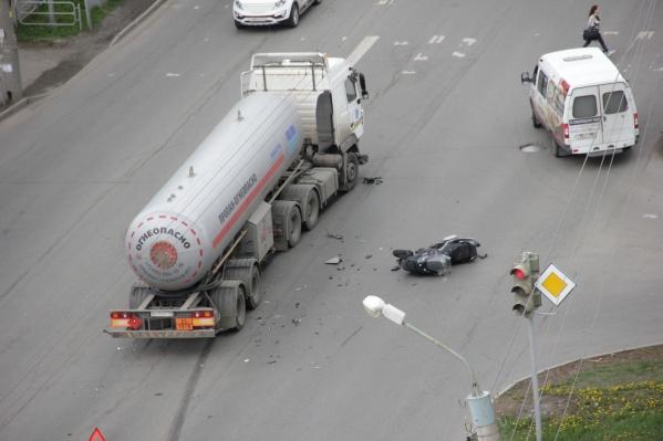 Авария произошла на улице Новороссийской днём 18 мая