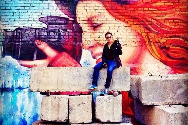 «Девушка с фотоаппаратом» затерялась на ул. Богдана Хмельницкого. Скриншотinstagram.com/sultrekov