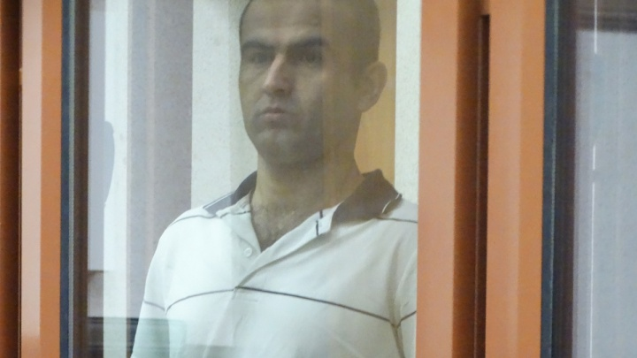Таджика, убившего уральца из-за телят и овец, на родине обвиняют в экстремизме