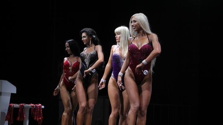 Самые мускулистые мужчины и женщины Архангельска: фоторепортаж с фестиваля силовых видов спорта