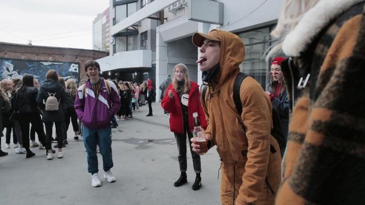 Как московский режиссер спаивает уральских подростков: смотрим фото со съемок драмы в Екатеринбурге