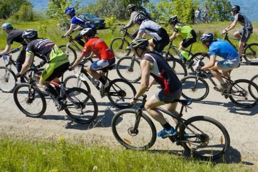 Лавочки, урны и навесы: власти Кургана готовят проект ремонта велодорожки