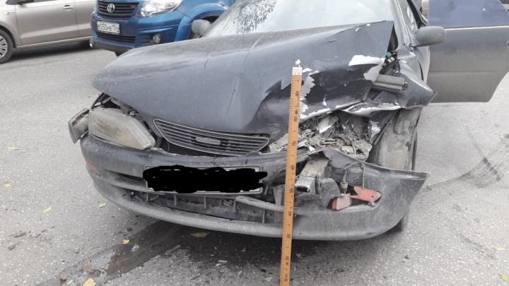 На Старом шоссе в результате ДТП пострадала беременная девушка