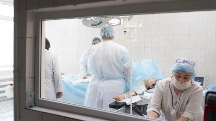 Зарплаты выросли на сотни процентов: сколько получают ярославские врачи в отчётах чиновников