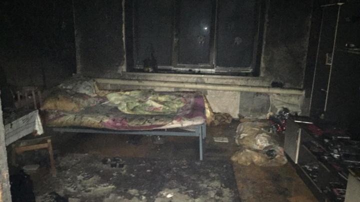 В ночном пожаре в Башкирии пострадали мужчина и женщина