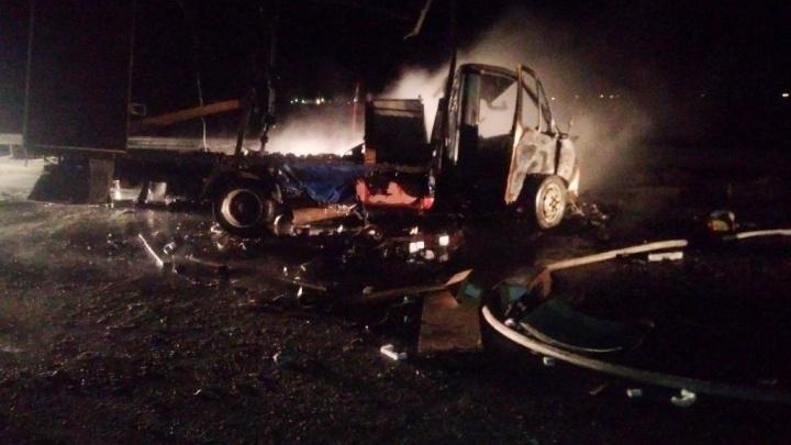 Стали известны подробности аварии под Тобольском, в которой погибли два водителя