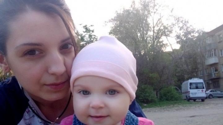 «Мы не отдадим ему Вику»: родные погибшей в такси волгоградки надеются отвоевать ее ребенка у отца
