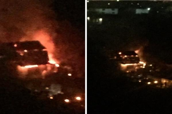 Очевидцы сняли пожар из окна многоквартирного дома
