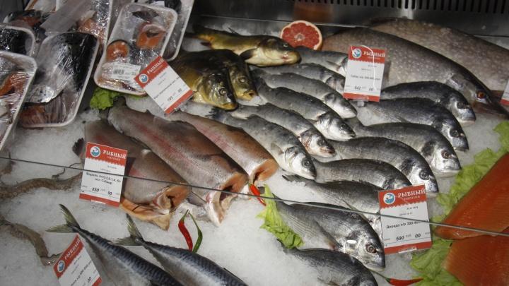 Новосибирский магнат открыл на площади Маркса большой рыбный магазин с кулинарией