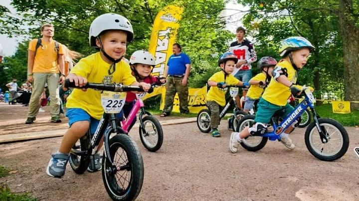 Трёхлетние малыши на колёсах: в «Зеленом Марафоне» впервые примут участие ребята на беговелах