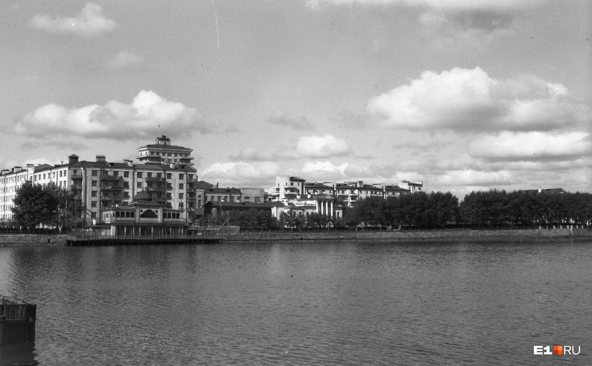 Набережная Городского пруда. 1948 год