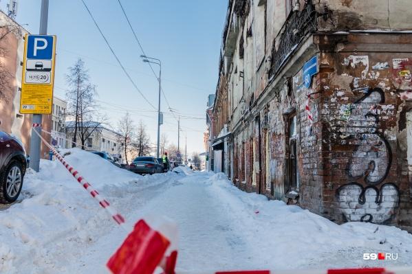 Тротуары перекрывают во время уборки снега, глава города предлагает поступать похожим образом с дорогами на небольших улицах