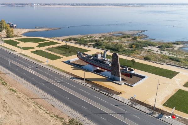 Технику поставят на площадке рядом с катером-памятником