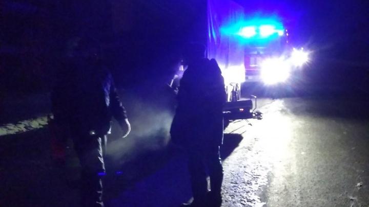 Застряли в сломанной машине на трассе: тюменские спасатели помогли восьмерым замерзшим людям