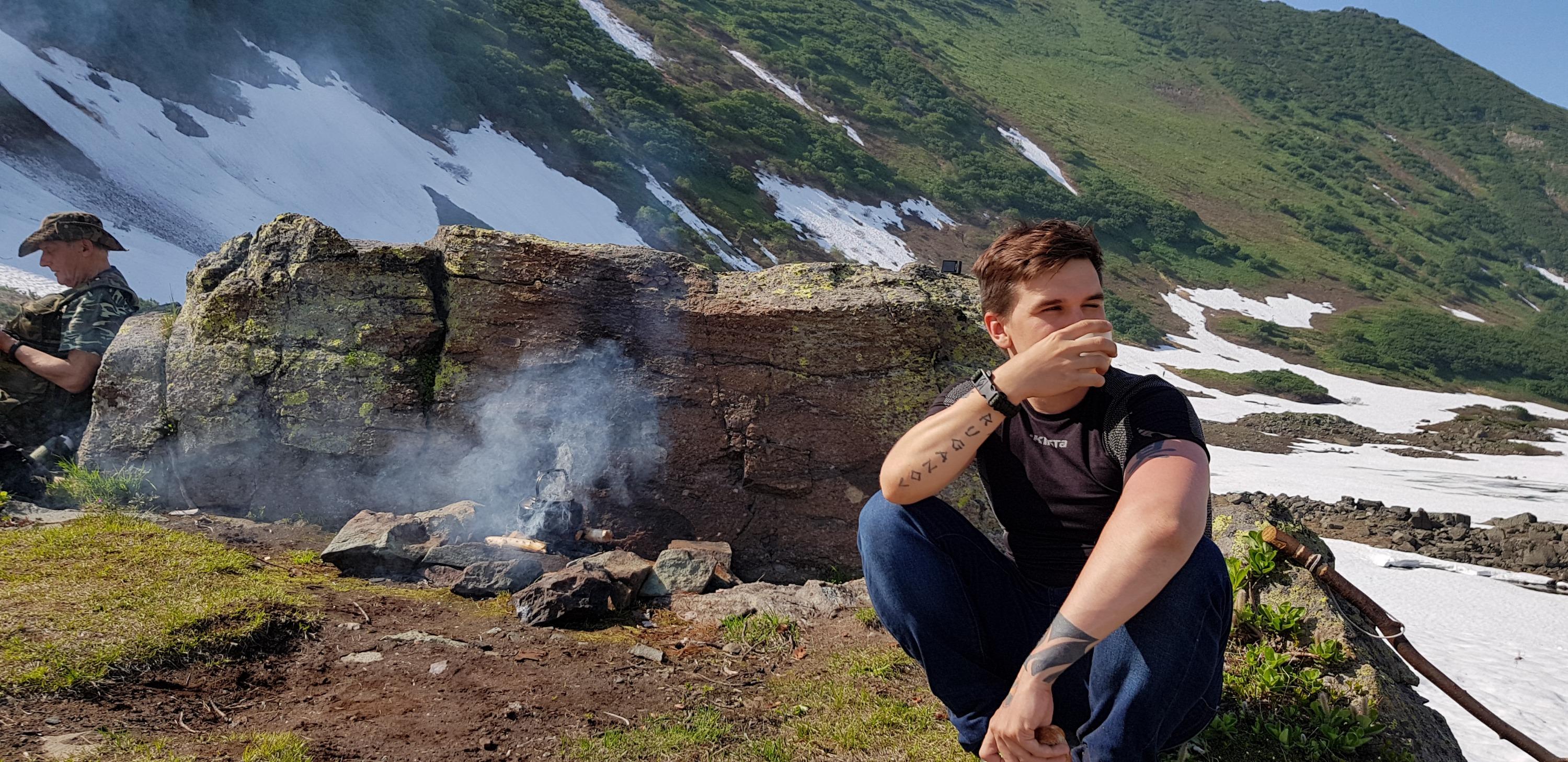 Во время пеших походов туристы часто заваривают травяной чай. Родниковая вода тут такая чистая, что её можно пить прямо из водоёма без кипячения