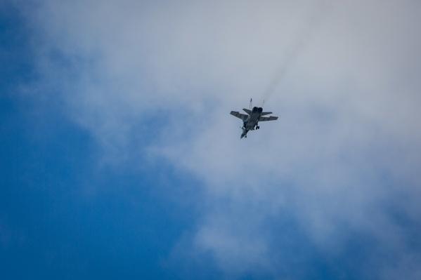 Самолёт МиГ-31 — военный истребитель с дальним радиусом действия