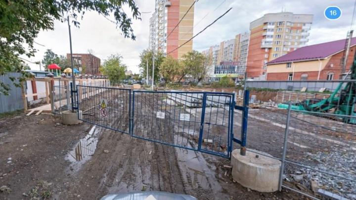 На Уралмаше из-за строительства многоэтажек на два месяца перекроют переулок Сосновый