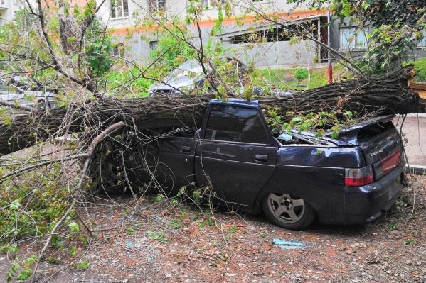 Владельцу автомобиля, припаркованного на Белгородской, 4, будет теперь непросто его восстановить