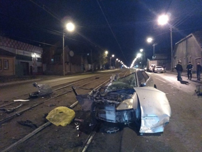Водитель «Хонды» погиб на месте, а пассажира доставили в больницу
