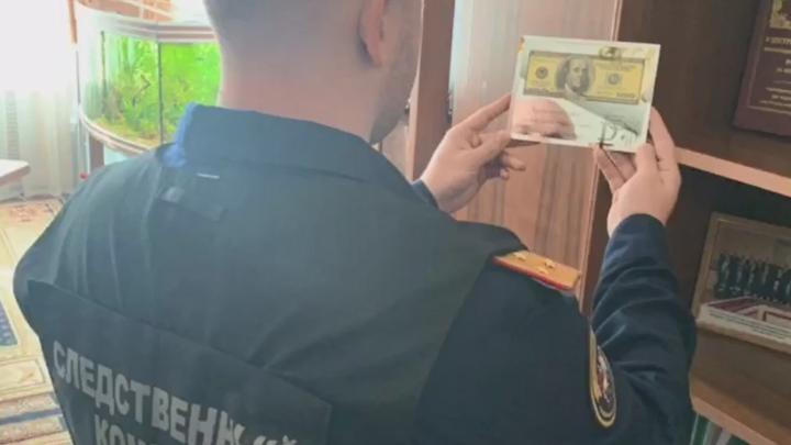 Вымогал и угрожал: обыск в кабинете замначальника Куйбышевской железной дороги сняли на видео