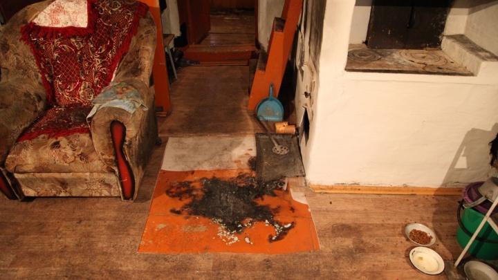 Найти подозреваемого помогли зажигалки: зауральца обвиняют в убийстве пожилого мужчины