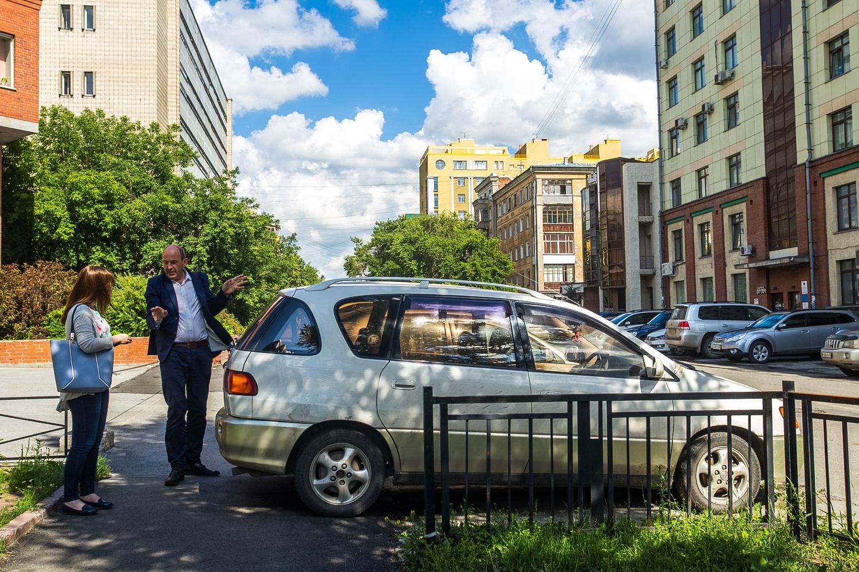 Переполненный машинами Новосибирск архитектор сравнил с рычащим монстром