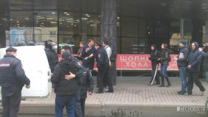 «Выполнялись конкретные команды»: генерал МВД прокомментировал задержания на митинге в Красноярске