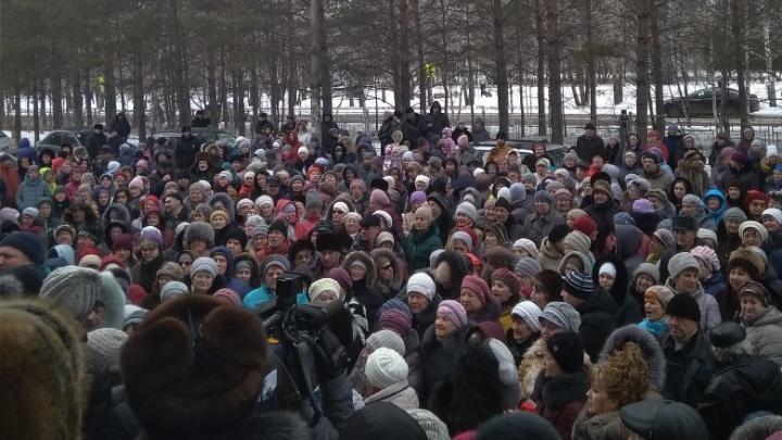 После митинга против закрытия роддома и реанимации уволен главврач Сосновоборской больницы