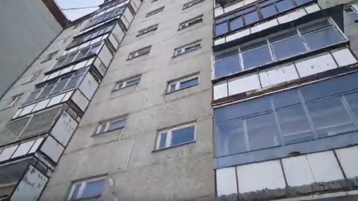 На Старой Сортировке из окна шестого этажа выпал мужчина