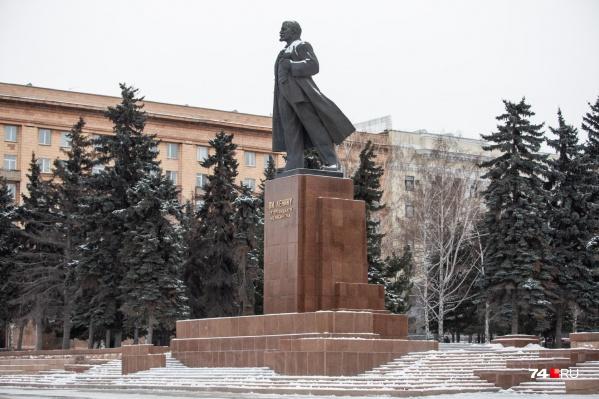 На реконструкцию знакового для челябинцев памятника в центре города потратили 15 миллионов рублей