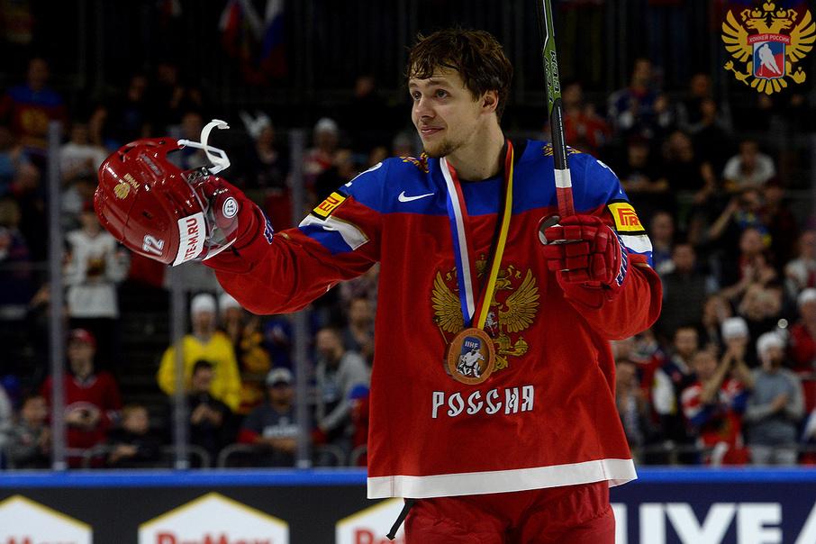 «Хотелось поспать лицом в салате»: хоккеист Артемий Панарин поздравил болельщиков с Новым годом