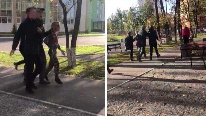 Сибиряк за шиворот утащил ребёнка со школьного двора, чтобы наказать за брошенный мусор