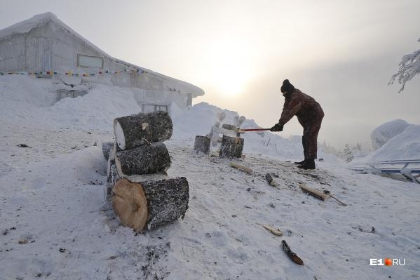 Буддисты уже много лет отказываются уходить с насиженного места на горе в Качканаре
