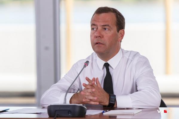 В августе 2017 года Дмитрий Медведев побывал в жарком Волгограде и лично оценил масштаб бедствия