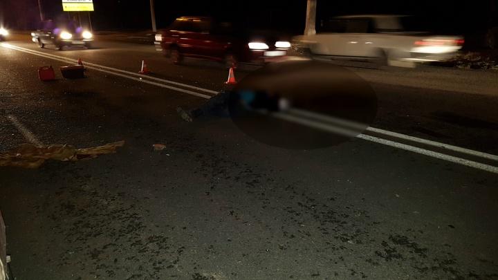 На севере и юге Волгограда за час насмерть сбили двух пешеходов