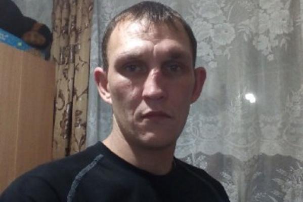 Евгений Колпаков пропал 5 марта. Дома его ждут жена и двое детей