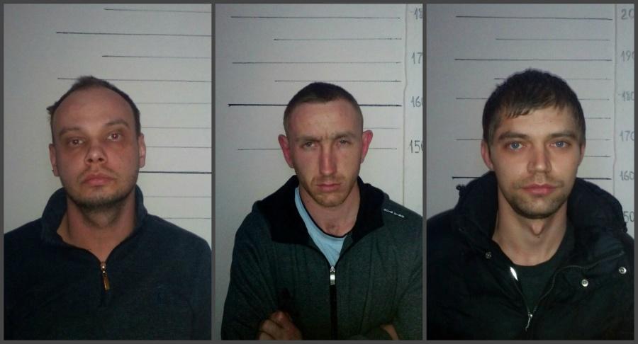 ВЕкатеринбурге арестованы трое рецидивистов, напавших наломбард сгвоздодером итрубой