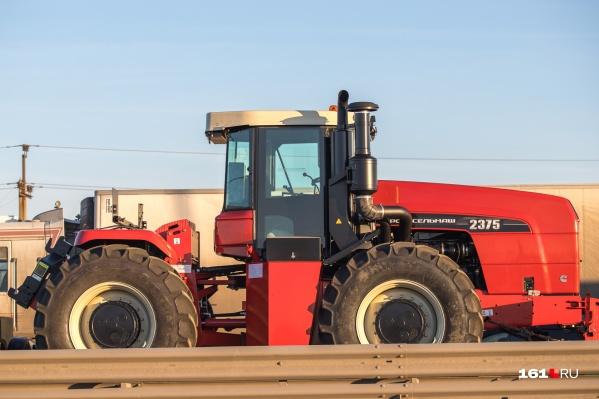 В этом году «Ростсельмаш» планировал выпустить 600 тракторов и почти 6 тысяч комбайнов