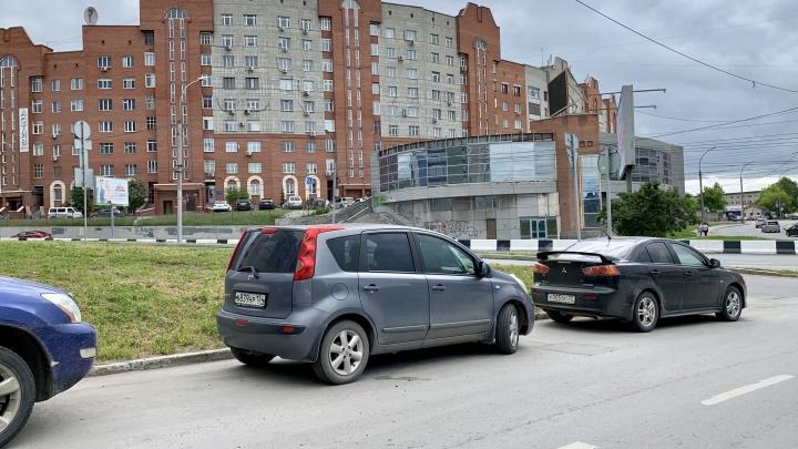 Какая же ты старая: средний возраст подержанной машины в Новосибирске перевалил за 14 лет