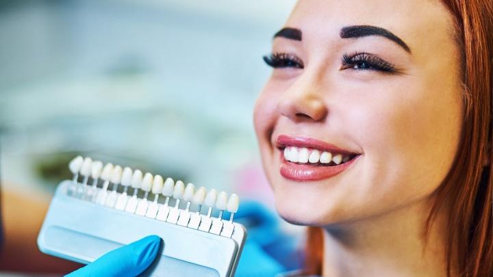 Светлее на 3-4 тона после одной процедуры: стоматология запустит услугу экспресс-отбеливания