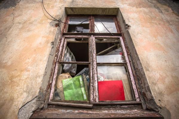 Новосибирец устроил свалку в чужой квартире